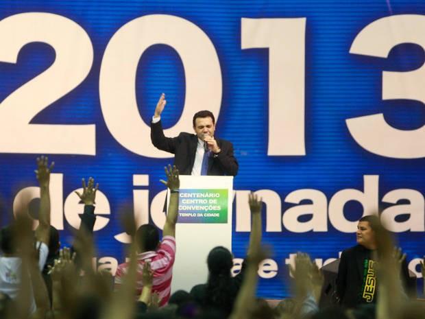 Pastor Marco Feliciano conduziu culto evangélico em um centro de convenções na noite de sábado (07). (Foto: Tarso Sarraf/ O Liberal)