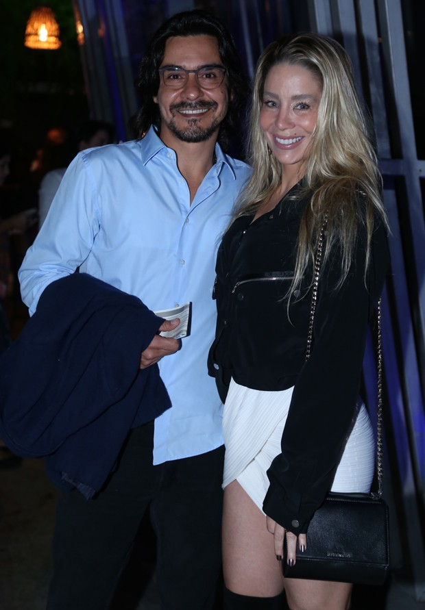 André Gonçalves e Danielle Winits (Foto: Anderson Borde/Agnews)