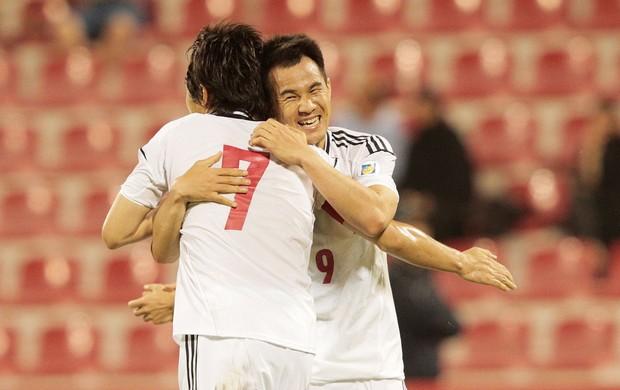 Shinji Okazaki e Yasuhito Endo gol Japão (Foto: Getty Images)