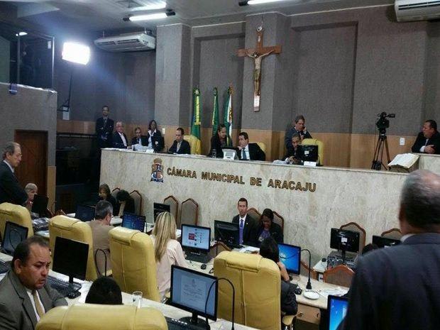 Projeto que reajusta a tarifa do transporte público é aprovada (Foto: Anna Fontes / TV Sergipe)