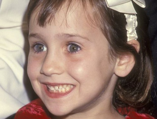 Um rosto inesquecível para quem viu os filmes filmes como Matilda e Uma Babá Quase Perfeita (Foto: BBC)