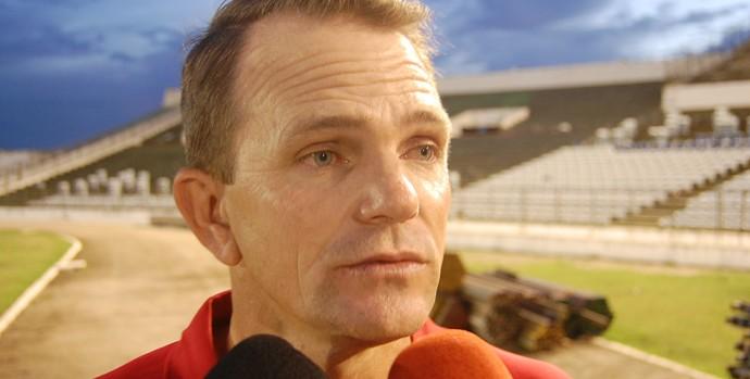 Paulo César Schardong, técnico do Campinense (Foto: Silas Batista / GloboEsporte.com/pb)