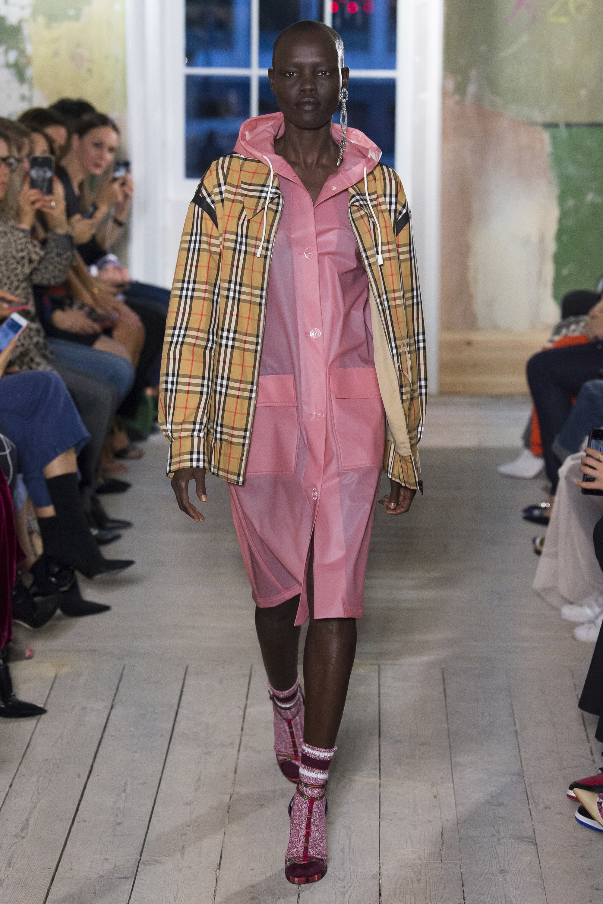 Burberry inverno 2017 (Foto: Getty Images)