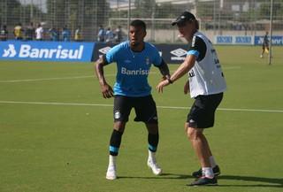 Júnior Grêmio Ivo Wortmann treino Grêmio CT Luiz Carvalho (Foto: Eduardo Deconto/GloboEsporte.com)