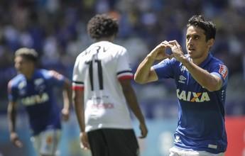 """""""Bomba"""" de Robinho, do Cruzeiro, leva enquete do gol mais bonito da rodada"""