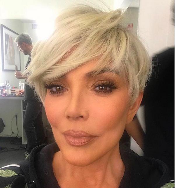 A foto compartilhada pela empresária Kris Jenner que a fez ser comparada com Kim Kardashian (Foto: Instagram)