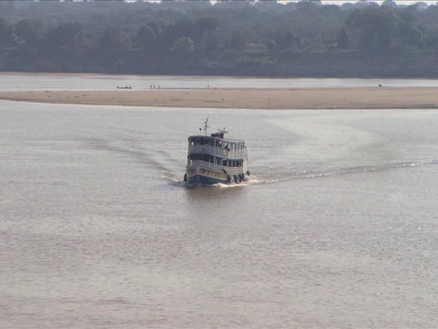 GRU seca no rio madeira (Foto: TV Globo)