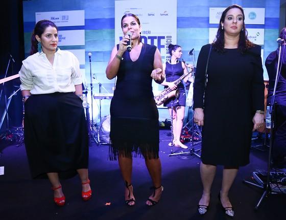 Renata Izaal, Daniela Falcão e Silvia Rogar fizeram as honras da noite de moda que agitou o Rio (Foto: Divulgação)