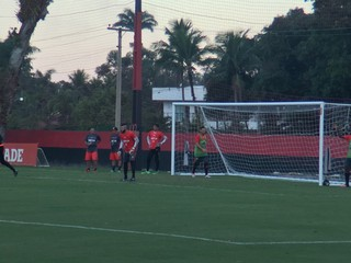 Muralha segue como titular no gol do Flamengo (Foto: Gustavo Rotstein)