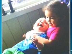 Filhos de Daiane Alves Lopes estão com famílias norueguesas (Foto: Reprodução/TV Anhanguera)