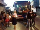 Moradores protestam contra greve de motoristas em Salto de Pirapora