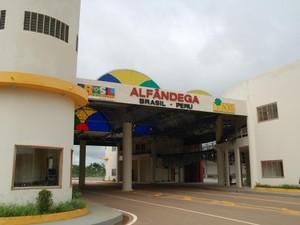 Acre tem importado produtos do Peru como alternativa para evitar desabastecimento (Foto: Sérgio Vale/Secom Acre)