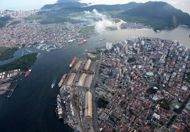 Porto de Santos, porto, navios (Foto: Reprodução/Facebook)
