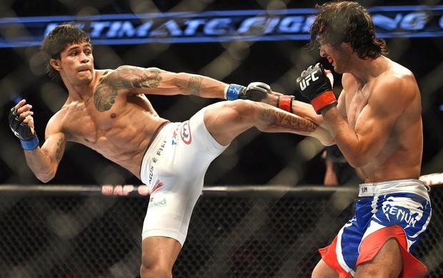 Akbarh Arreola e Tiago Trator luta UFC (Foto: Kyle Terada-USA TODAY Sports / Reuters)
