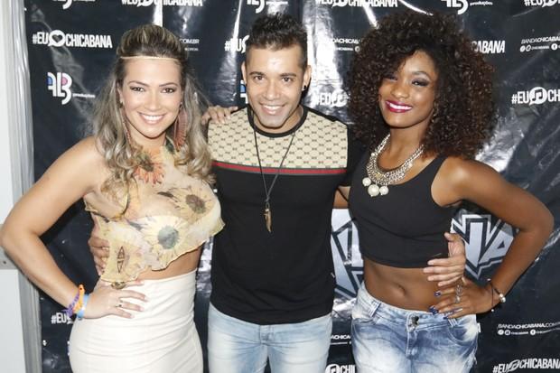 Erica Januzza e Fani curtem show de Chicabana no Salvador Fest (Foto: Fred Pontes /  Divulgação)