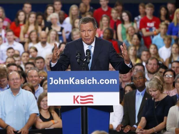 O governador de Ohio, John Kasich, anuncia que é o novo pré-candidato republicano à presidência dos Estados Unidos (Foto: REUTERS/Aaron P. Bernstein)