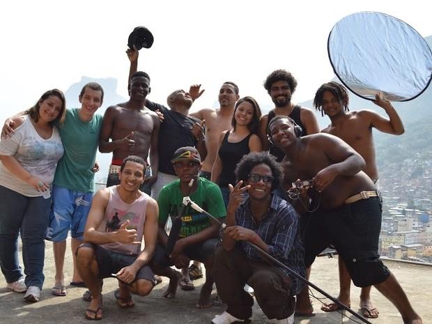 Parte dos atores do filme Fuga da Rocinha era da comunidade (Foto: Divulgação)
