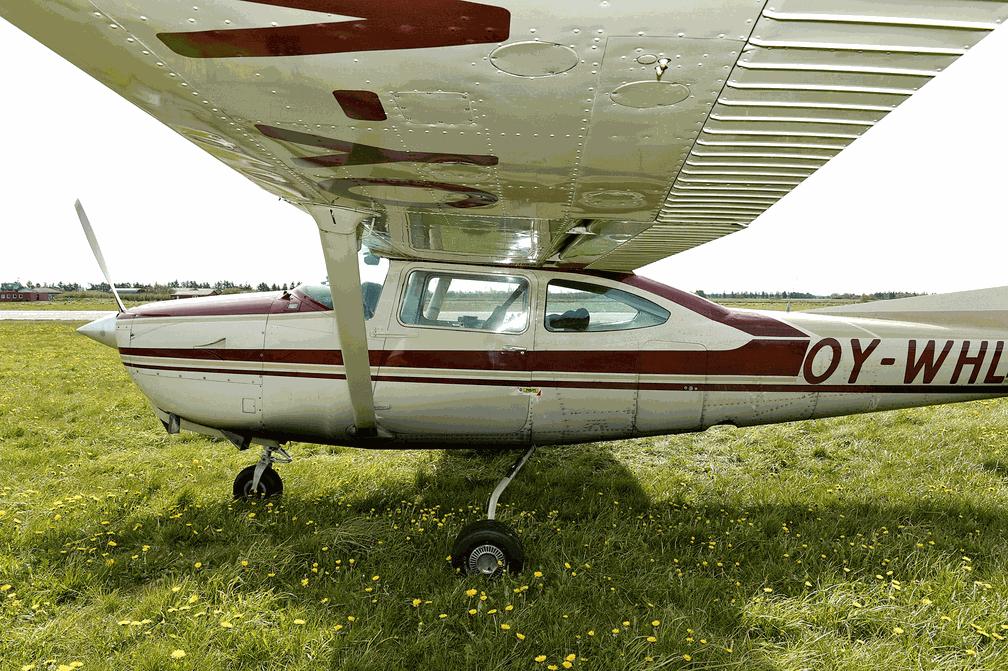 Avião Cessna 182 envolvido no acidente. (Foto: Ernst van Norde/Ritzau Foto via AP)