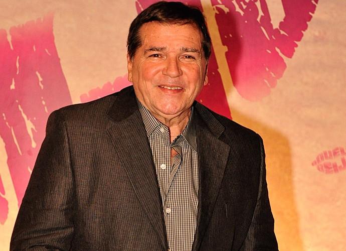 Jerry Adriani durante lançamento da novela 'Aquele beijo' em 11/10/2011