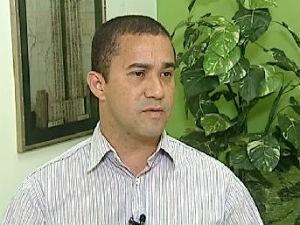 Avanílson Araújo (PSTU) concorreu ao governo do estado em 2010 (Foto: Reprodução/ RPC TV)