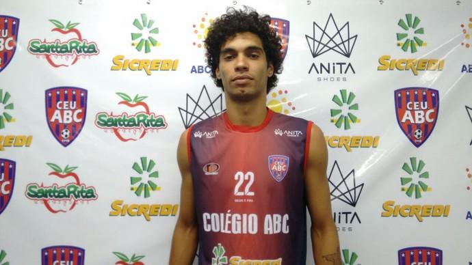Luiz Júnior, meia-esquerdo, 23 anos (Foto: Hélder Rafael)