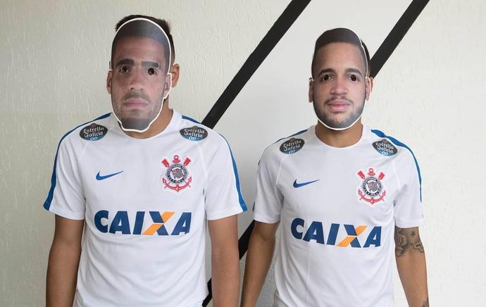 Corinthians faz máscaras de Gabriel e Maycon: