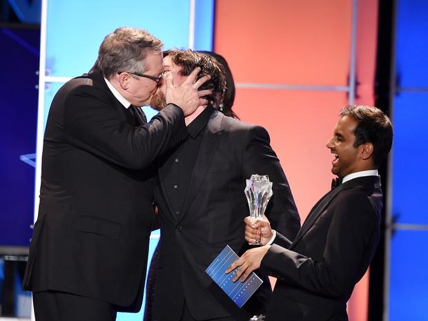 Diretor Adam McKay e Christian Bale em prêmio em Los Angeles, nos Estados Unidos (Foto: Kevin Winter/ Getty Images/ AFP)