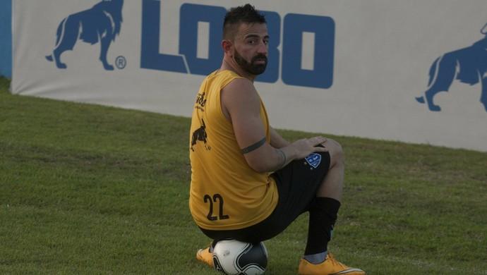 Leandro Cearense é uma das dúvidas do Paysandu diante do Luverdense (Foto: Oswaldo Forte/O Liberal)