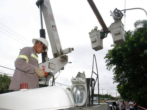 Mil novos pontos de iluminação pública foram instalados em Manaus segundo a prefeitura (Foto: Divulgação/Semcom)