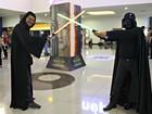 Fantasiados, fãs prestigiam estreia do sétimo filme de Star Wars em Manaus