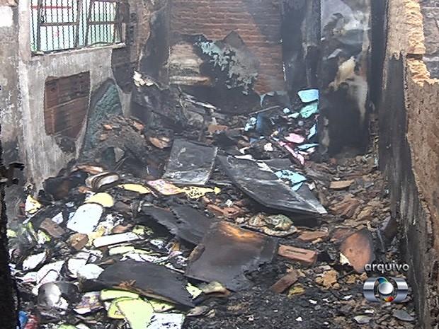 Em um ano, mais de 200 escolas são alvos de vandalismo, em Goiânia, Goiás (Foto: Reprodução/TV Anhanguera)