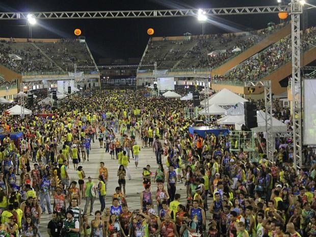 Cerca de 50 mil foram ao Sambódromo de Manaus no último dia de festa, segundo PM (Foto: Marcos Dantas/G1 AM)