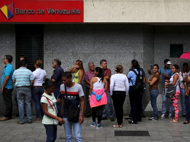 Crise econômica é uma das críticas que afastam chavistas do governo (Foto: REUTERS/Nacho Doce)