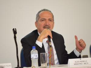 Ministro Aldo Rebelo participa da reunião da SBPC (Foto: Stefhanie Piovezan/G1)