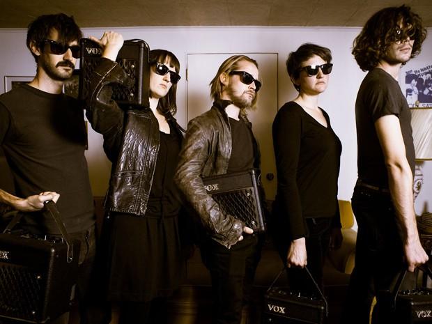 Macaulay Culkin (centro) é membro da banda Pizz Underground (Foto: Divulgação/Tumblr da banda)