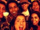 Thaila Ayala vai a manifestação no Rio com ex-ator de 'Malhação'
