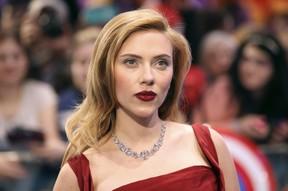 Scarlett Johansson em première em Londres (Foto: Reuters)