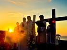 Internauta registra Missa da Aurora em praia de Itaipava, no Sul do ES