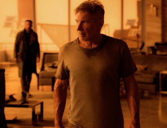 Harrison Ford retorna a seu personagem, Deckhard, em Blade Runner 2049. O filme é mais claro que o original em muitos sentidos (Foto: Divulgação)