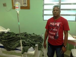 Alcidinei de Sena, irmao de paciente internado em hospital particular (Foto: John Pacheco/G1)
