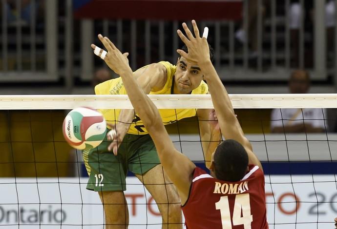 Douglas Souza foi um dos destaques da partida contra Porto Rico (Foto: Inovafoto/CBV)