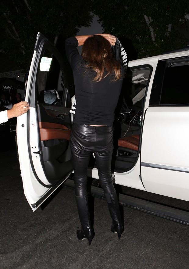 X17 - Caitlyn Jenner em restaurante em Los Angeles, nos Estados Unidos (Foto: X17online/ Agência)