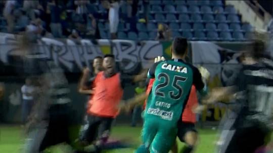 """Agente brinca sobre defesas de Gatito: """"Tinha que pegar de jogadores meus?"""""""
