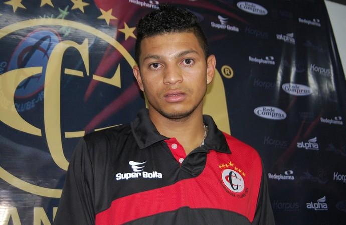 Felipe Alves, atacante do Campinense (Foto: Silas Batista / GloboEsporte.com)