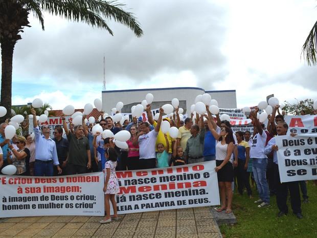 Ato terminou na frente do Ministério Público (Foto: Ana Claudia Ferreira/G1)