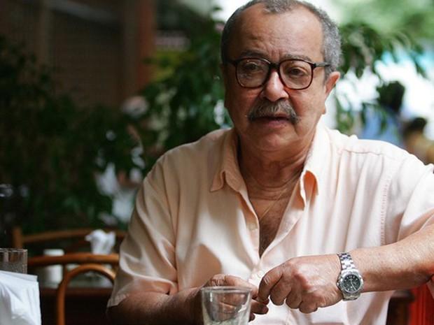 João Ubaldo Ribeiro no Rio de Janeiro em foto de arquivo de 13/11/2008 (Foto: Fábio Motta/Estadão Conteúdo)