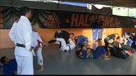 Grupo de atletas de jiu-jitsu dos Emirados Árabes faz intercâmbio na PB