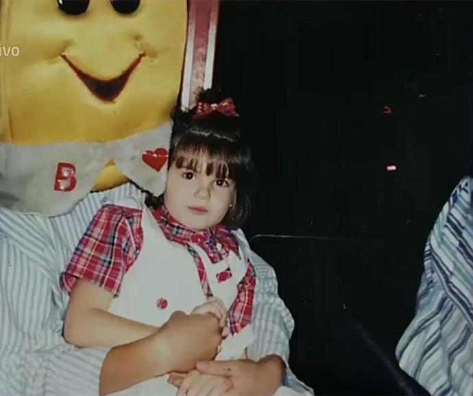 Camila Queiroz tinha um jeito moleca de ser quando criança (Foto: Vídeo Show / Gshow)