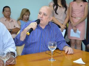 Diretor-presidente da CEA José Ramalho disse que acordo foi adiado por 'problemas burocráticos' (Foto: Maiara Pires/G1)