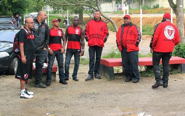 torcedores do Flamengo no treino (Foto: Janir Junior / GLOBOESPORTE.COM)